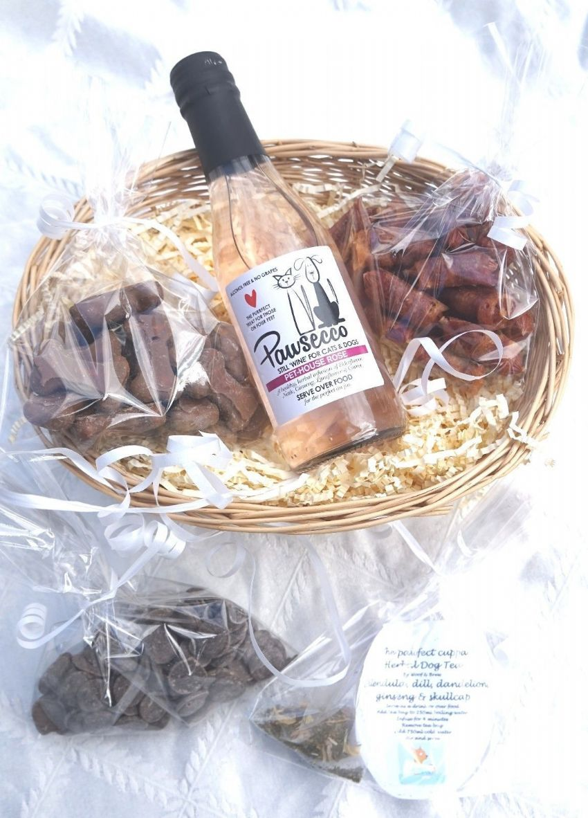 LUXURY GIFT WRAPPED DOG HAMPER WITH HEART TAG, ROSE DOG WINE, DOG TEA & TREATS